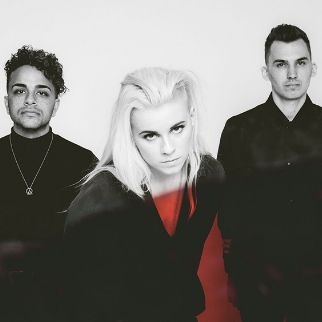 pvris-tickets_09-22-17_23_592dfc7b8f3ae.jpg